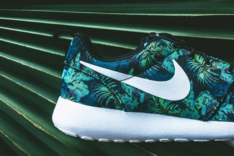 flower pattern nike shoes nike roshe run print space blue poison green