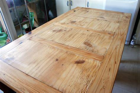 Vernir Une Table En Bois Brut by Comment Vernir Une Table En Chene Conception Carte