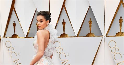 No Oscars This Year Copy Biels Understated Classic From Last Year Instead by Best Dressed At The Oscars Stylish Starlets