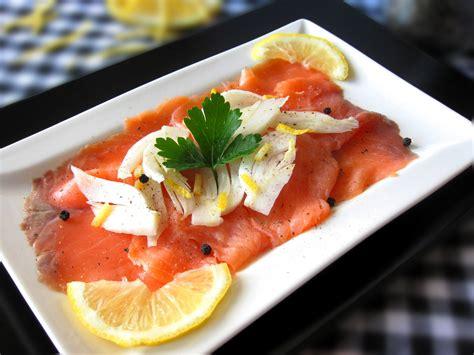 cucinare salmone affumicato salmone affumicato e finocchi pasticciando con rosy
