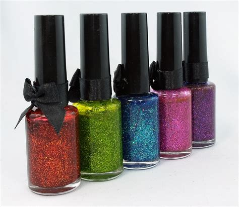 Nail Varnish Designs by Deluxe Nail Spa
