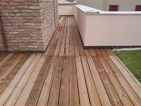 pavimento flottante in legno pavimento galleggiante in legno di pino auto clavato vz