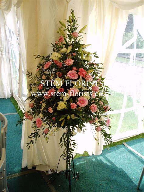 Flower Pedestal Pedestals Amp Garlands