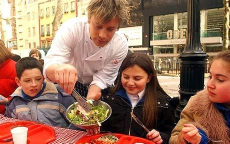 uk celebrities education jamie oliver celebrity chef creates school cooking course