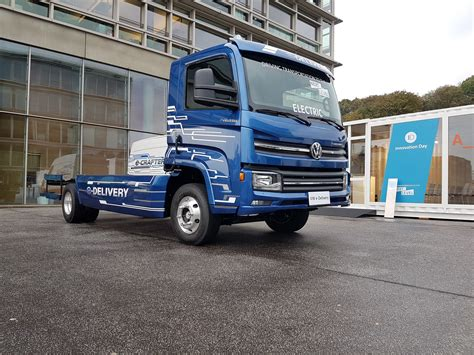 Vw Truck by Volkswagen S New E Delivery Electric Truck Will Go On Sale