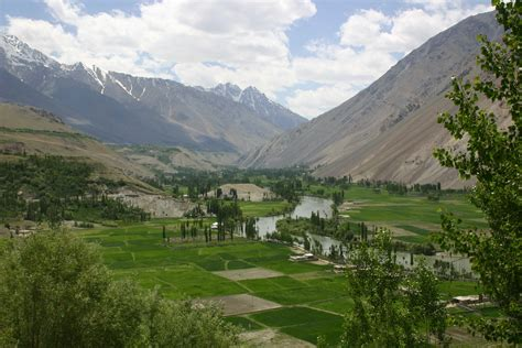 phander valley ghizer gilgit baltistan promoting
