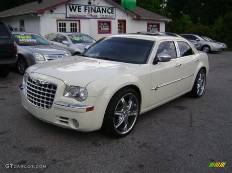 chrysler car white 2006 white chrysler 300 c hemi heritage editon