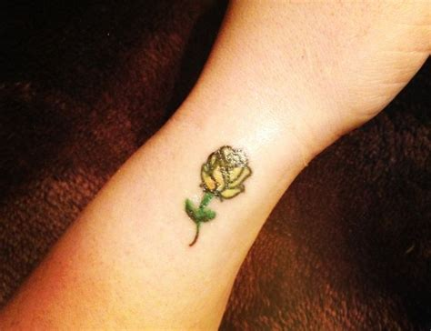 small flower tattoo designs 23 beautiful small flower tattoos