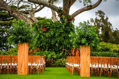 wedding planner kauai local kauai wedding planner with praise for expertise and