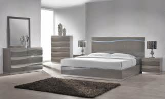 Enzo Grey Lacquer Bed With Led Lights