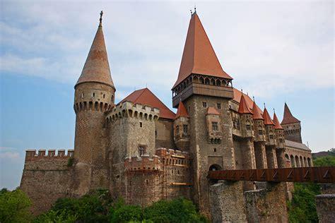 castle dracula transylvania transilvania castelul huniazil hunedoara city travel guide at wikivoyage