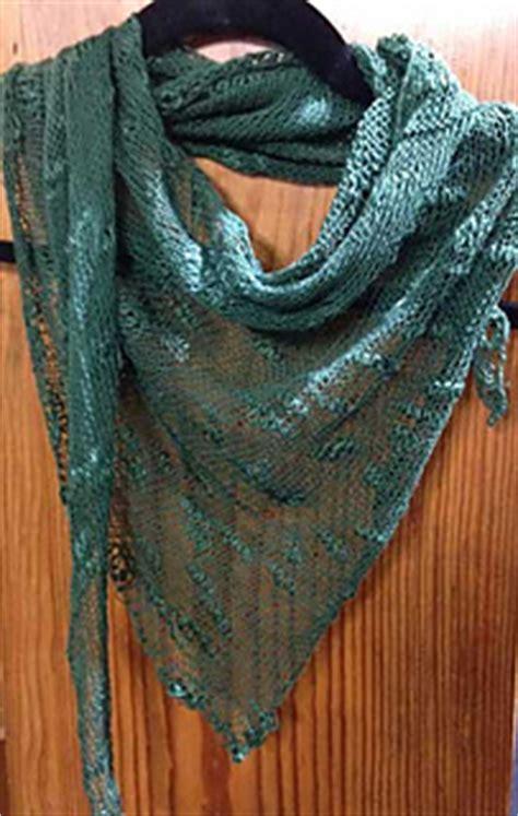 triangle neck pattern ravelry risoni triangle scarf pattern by janet avila