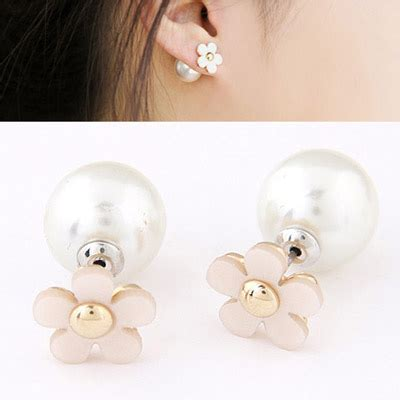 Anting Fashion Cylinder Shape Decorated Tassle Design hemming white flower shape decorated simple design