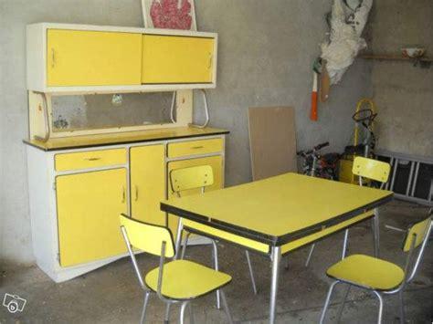 table cuisine formica cuisine vintage jaune formica d 233 co vintage