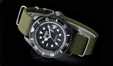 montres militaires anciennes