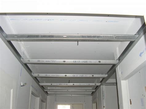 Plafond Sur Rail by Poser Un Faux Plafond Sur Rail Isolation Id 233 Es