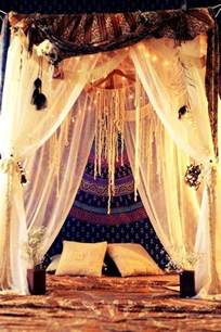 Boho Bed Canopy Boho Chic Bedroom W Canopy Bed Bohemian Baby