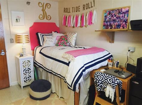 the pink room auburn al 25 best ideas about preppy room on dorms decor college dorms and collage