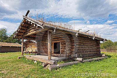 casas rusas casa de madera rusa tradicional antigua fotograf 237 a de archivo