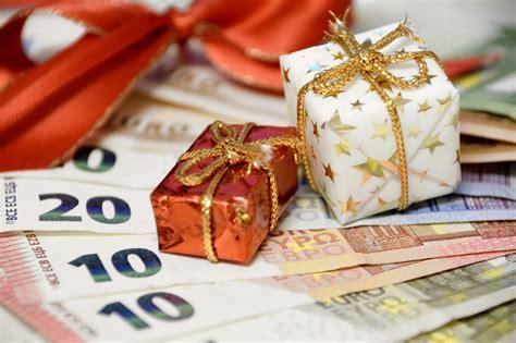 wann muss weihnachtsgeld zurã ckzahlen weihnachtsgeld dann muss der chef zahlen heimarbeit de