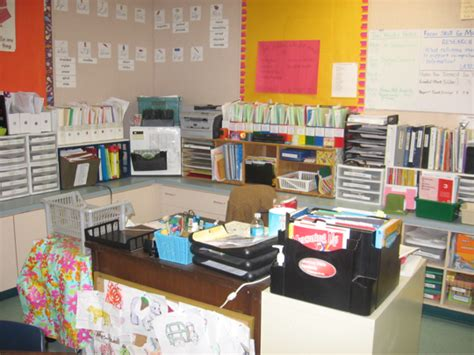 Teachers Desk Arrangement And Organization Pictures Classroom Desk Organization