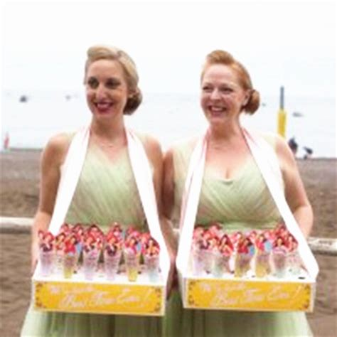 Wedding Usherette Attire wedding usherette attire what to wear everafterguide
