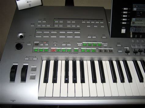 Keyboard Yamaha Tyros 3 yamaha tyros 3 product review yamaha tyros 3 the arranger keyboard rearranged audiofanzine