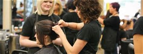 beautician cosmetology colleges and schools beauty schools near me find cosmetology schools today