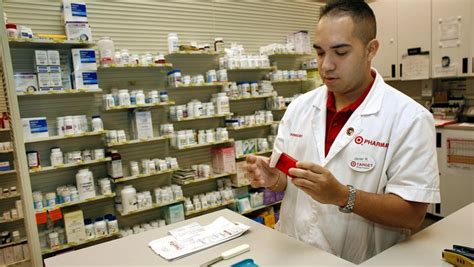 Cvs Pharmacy Technician by Target S 1 9b Cvs Deal Gets It Out Of A Losing Business Minneapolis St Paul Business Journal