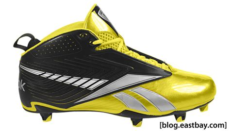 eastbay football shoes reebok u form football cleats at eastbay eastbay