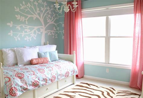 burgundy aqua cream coral room interior coral and turquoise bedroom girls bedooms pinterest