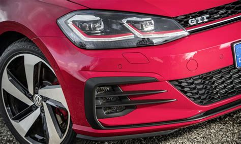 volkswagen starting price here s the starting price for the facelifted vw golf