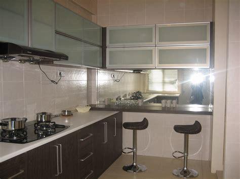 Mirrored Kitchen Backsplash Clinking Mirror Backsplash Kitchen Decoration Ideas And