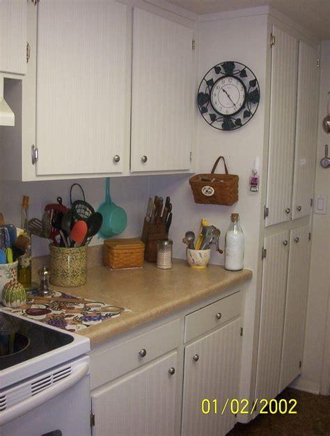 beadboard kitchen cabinets diy 1000 ideas about bead board wallpaper on