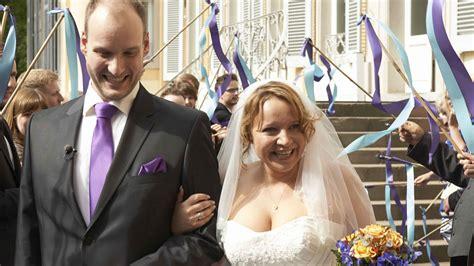 Hochzeit Auf Den Ersten Blick Karin Und Frank by Quot Blind Wedding Quot Bea Tim Liebe Braucht Zeit Promiflash De