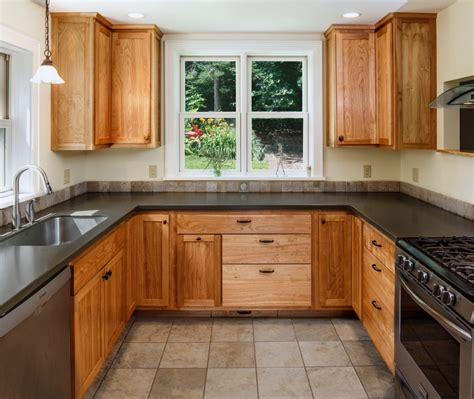 Cleaning Wood Kitchen Cabinets With Vinegar Tips To Cleaning Kitchen Cabinets With Everyday Items Mykitcheninterior