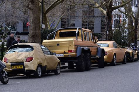 car gold londra flotta di supercar ricoperte d oro multato