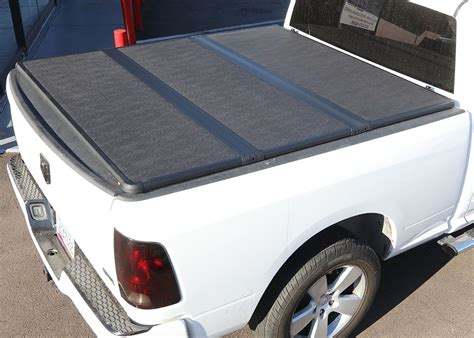 solid fold truck bed cover 2008 2011 dodge dakota 5 bed extang solid fold 2 0 truck