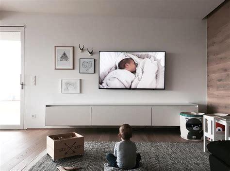wandschrank tv verstecken fernseher an der wand fernseher an der wand und receiver