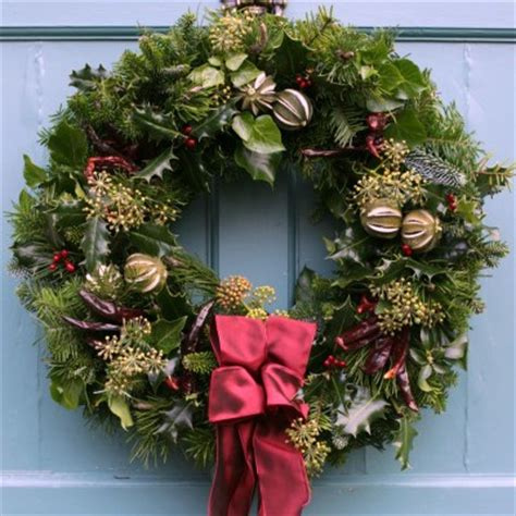 chilli and lime grande christmas wreaths direct