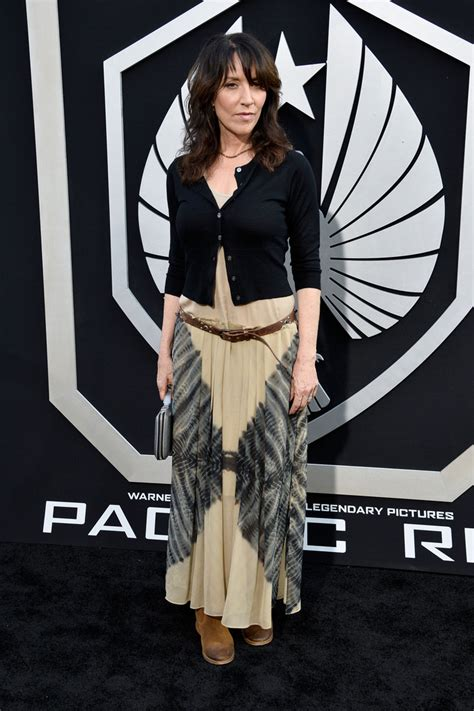 Katey Sagal Style Fashion Looks Stylebistro | katey sagal cardigan katey sagal looks stylebistro