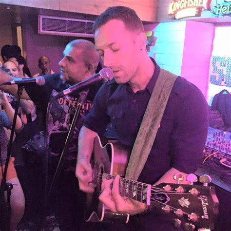 Why Is Millionaire Coldplay Chris Martin Sleeping by Coldplay S Chris Martin Plays Set At Delhi Bar