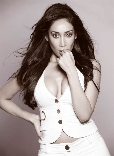 sofa hayat sofia hayat i don t know what to expect in bigg boss