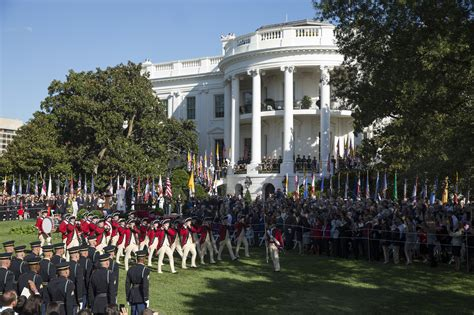 how many people work in the white house pope francis receives enthusiastic white house welcome america papal visit 2015