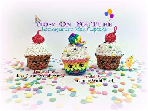 Muffin Hooks 3 rainbow loom mini cupcake dessert cherry loomigurumi