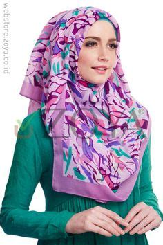 Zoya Kerudung Qaifa 1 kerudung segi 4 collection by zoya on big flowers autumn leaves and snow white