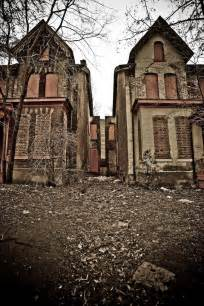 how to buy abandoned houses abandoned victorian homes abandoned mansions houses pinterest