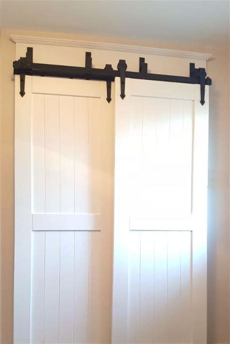 Installing Bypass Closet Doors 1000 Ideas About Bypass Barn Door Hardware On Pinterest Sliding Barn Door Hardware Sliding