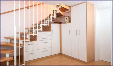 schrank treppe schrank unter offener treppe selber bauen hauptdesign