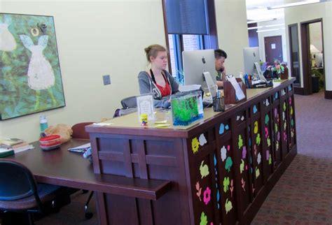illinois wesleyan its help desk